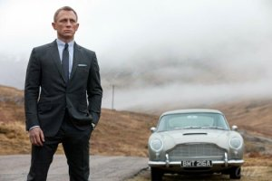 daniel-craig-aston-martin-db5-james-bond-skyfall-eon