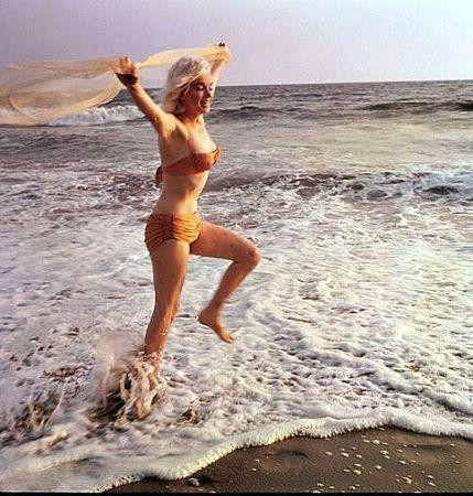 Marilyn plage voile