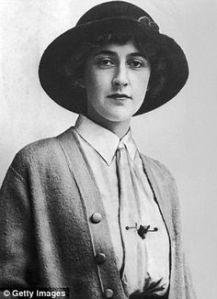 Christie Agatha portrait jeune